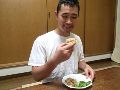 ダブル炭水化物はうまいね!米を甘く煮て普通にジャムにしたらどうかと思ったが多分甘酒風だ。いっそパンを甘く煮てジャムという手もあるのか。