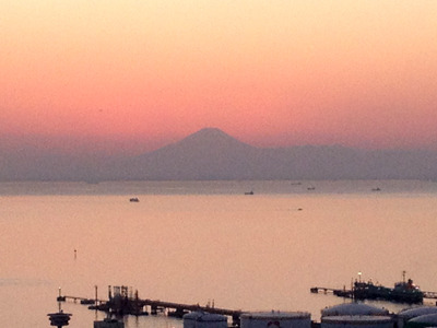 久々に見た富士山。千葉からこんなにハッキリ見えるんだなあ