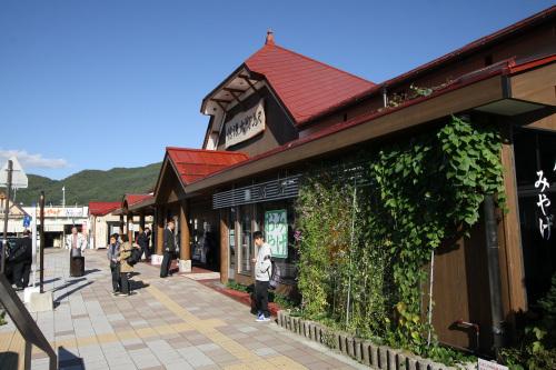 やってきました、長野県の信濃大町駅