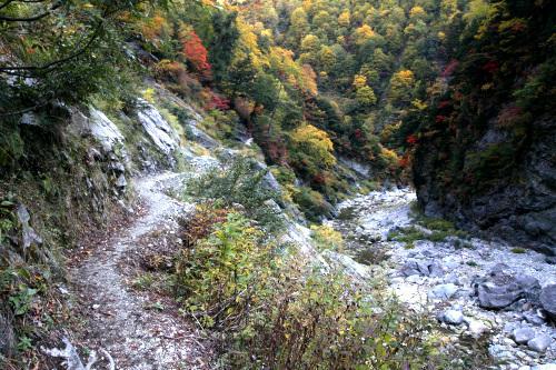 峡谷の景観、そして紅葉は期待通りの良さ