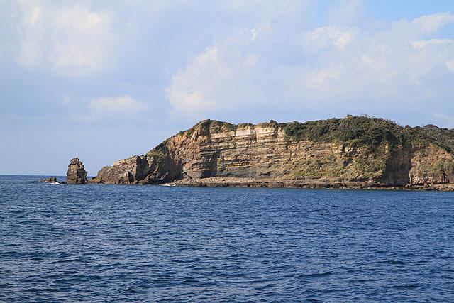島の外側(玄界灘に面している方)に回ると波が大きく、揺れが激しくなる。