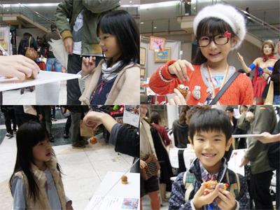 ゴム丸に夢中になる子供達。先ほど微妙な表情を浮かべていたライター西村さんの息子さんも。とても喜んでくれてて、なんだか勝った気がした。
