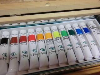 12色の油絵具
