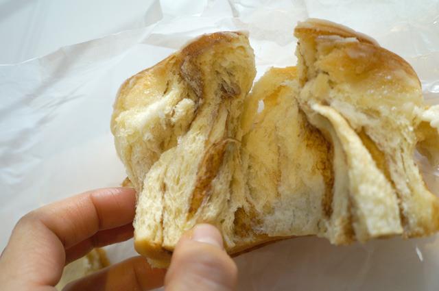 分け入っても分け入ってもパン