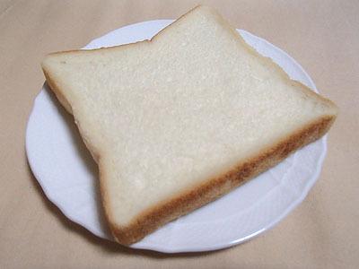 実は食パンもジャムにしてみようかと考えたが、ただ甘酸っぱいドロッとしたものにしかならないと思ったので止める。アンドーナッツもやろうと思ったが、あんこジャムになるだけだろう。