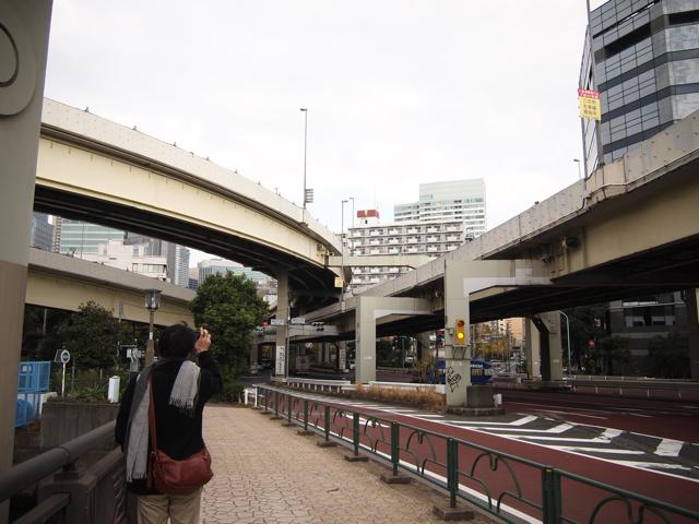 AM11:00 浜崎橋ジャンクションを出発。海岸通りに沿う京橋~芝浦間は、1962年の初開通部分でもある。