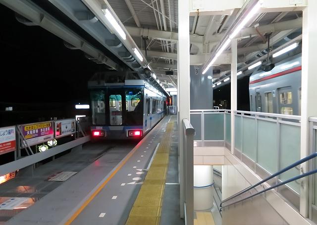 千葉、埼玉から鎌倉へ。「いざ鎌倉」とは浮かれ電飾への言葉でもあるのだ。