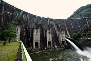 奈良、三重、京都にまたがる木津川流域の元締め、高山ダム