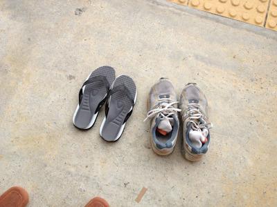 どちらがハーフマラソンに必要なものかは一目瞭然です