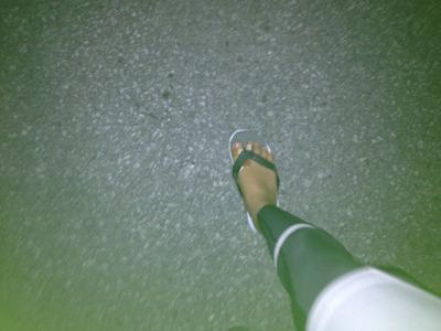 足痛い。内股がさけるように痛い。マラソンの途中で筋肉痛になったのは初めて