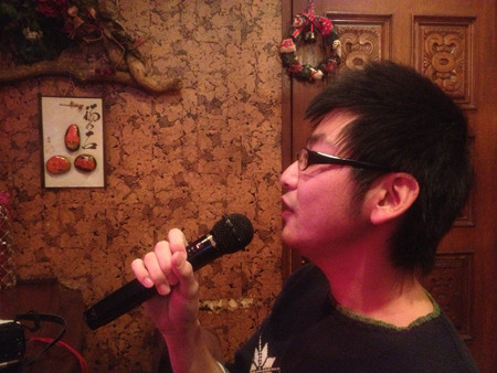 堺正章のさらば恋人を歌う小堀さん。選曲が渋い。