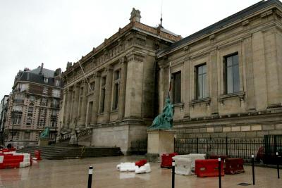 ル・アーヴルには戦災を免れた古い建造物も残っているのだけど、これは世界遺産の範囲外。あくまで新しく作られた部分のみが対象なのだ