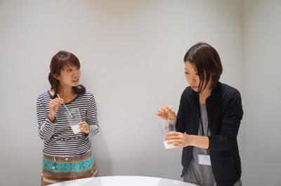 橋田「あーたの家のカルピス、薄いんですって?」 古賀「……っ!」 という絶妙な写真が撮れてた(実際はそんなことはいっていません!)