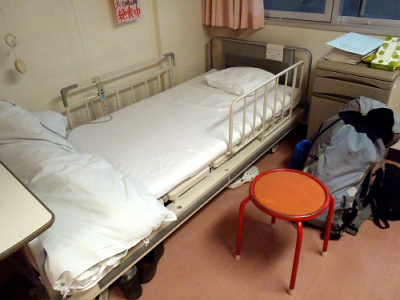 おぉ、巡礼宿よりも立派なベッドだ