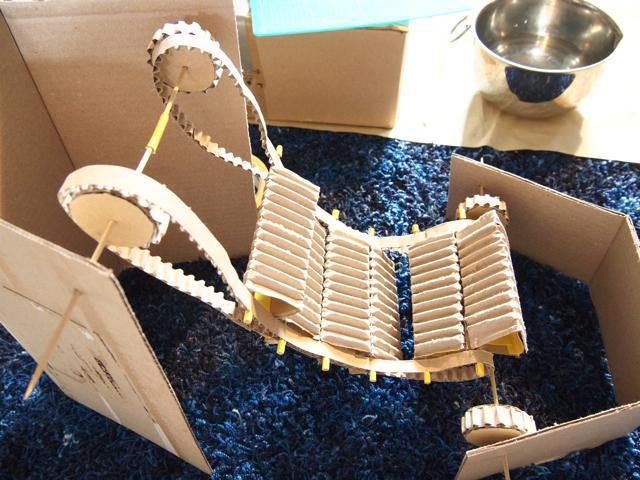 試作1号機 トイレットペーパーの芯モデル