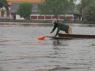 数が多いので、サブボートに手伝ってもらい、手分けして仕掛けることになる
