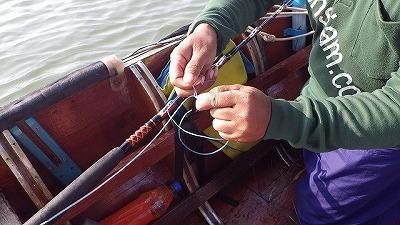 ここでやっと釣り竿とリールの出番が。
