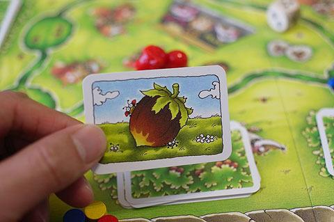 めくったカードが木の実だったらそのままもらえるが、