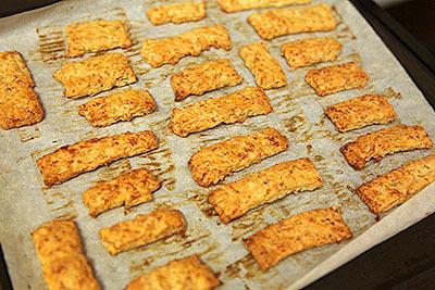 焼けたがクッキーではない。パン?でもない。なんだ、これは。
