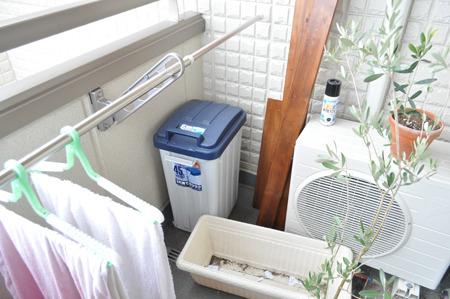 ルンバ専用ゴミ箱設置。