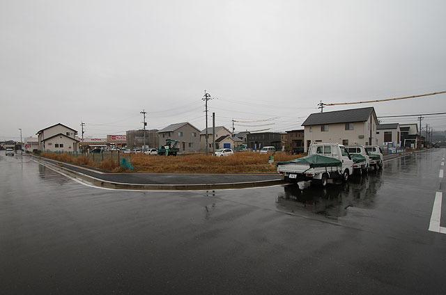 スーパーマーケットと住宅街になった! (2013.2)