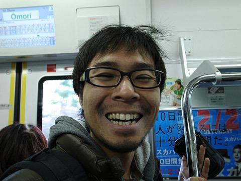 イベントに向かう電車の中ですでに笑顔!