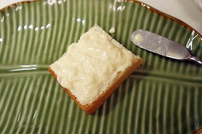 これからたくさん食べるので食パンは1/4サイズにカットしております