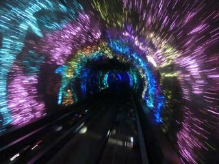 トンネルのなかの景色