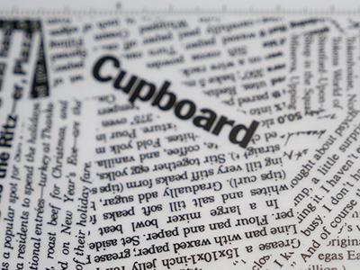 Cupboard=食器棚……。