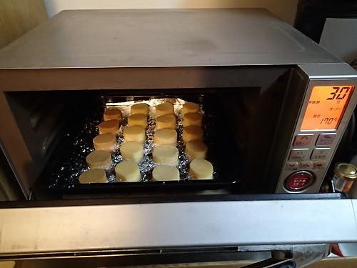 170℃のオーブンで30分ほど焼きます。