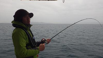釣れない。