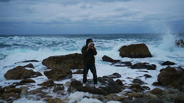 日本海の自然現象でヒゲを剃ります!