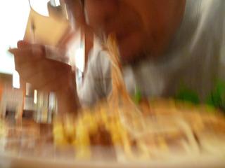 ガッツリ食べすぎて妙なスピード感。