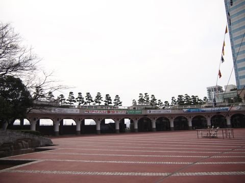 伊豆大島行きのフェリーなどが出ているのだが、それ以外の時間は、たしかに誰もいない。