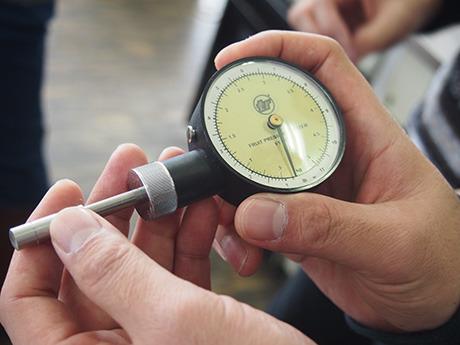 これが硬さ計測機