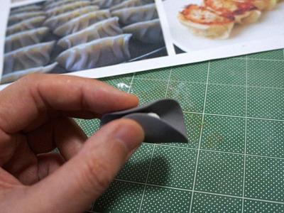 アン的な粘土を皮的な粘土に包んで…