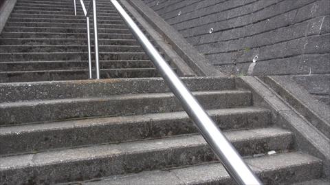 このニュータウンは階段が多い