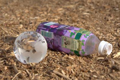 """""""大切にしたいたった一つの地球。ゴミはきちんと分別を"""""""