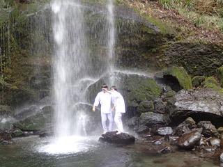 滝でカップル撮り!