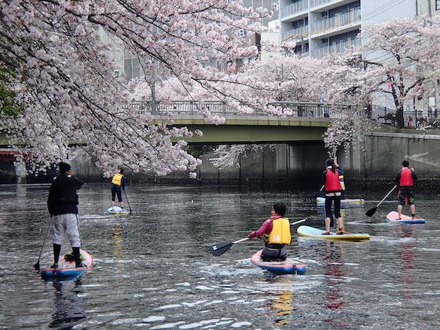 水上の宴である(撮影:Canal SUP Association 山崎博史さん)