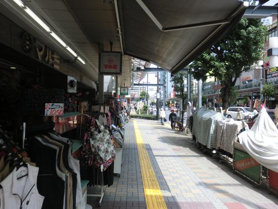 亀戸駅から十三間通り商店街を5分ほど歩く