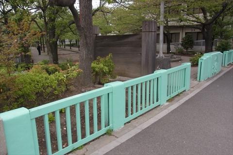 橋の跡が残っている