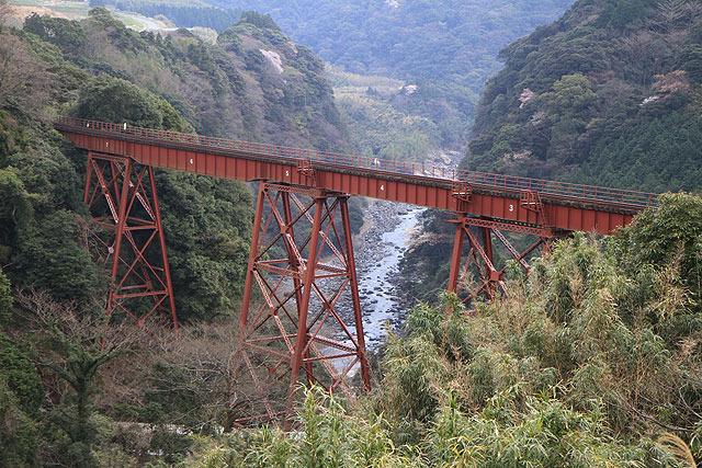 かっこいい鉄橋。