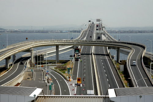 海ほたるからは橋となって木更津へ向かう