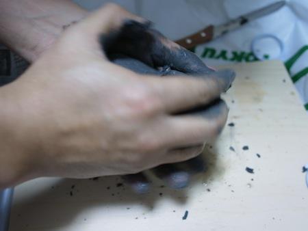 とかいいつついきなり地味、粘土こね。
