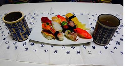 私は元気です。※写真はお寿司がおいしかったというだけのものです。