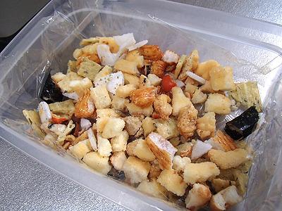 醤油味以外に塩味や磯風味が入り混じる。