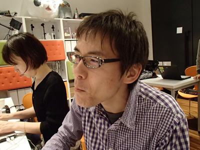 遠い目で固まる編集部の石川さん。やはり後味がどうにもダメなようです。