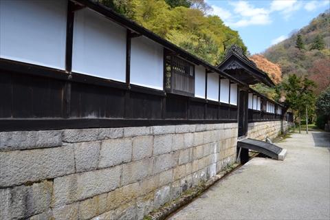 御成門の前が江戸時代の町並みに見える