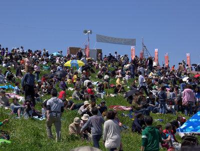 人もかなり集まってきた。